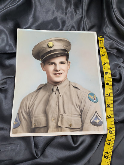WWII AIR CORPS SOLDIER PHOTO