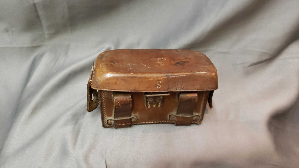 WWII SA MARKED MEDICS/ DISPATCHER POUCH