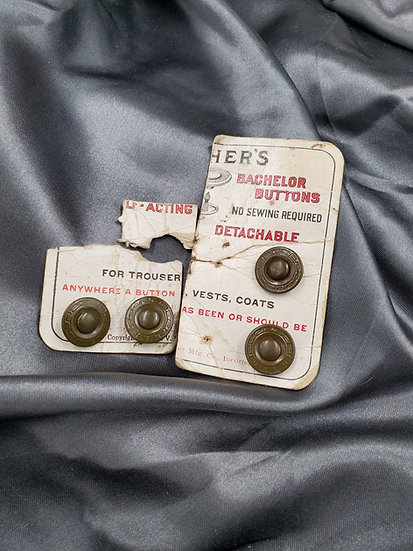 WWI ERA BACHELOR BUTTONS