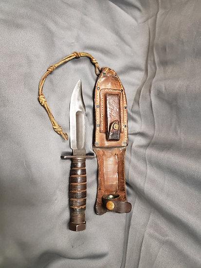 1960's PILOT SURVIVAL KNIFE