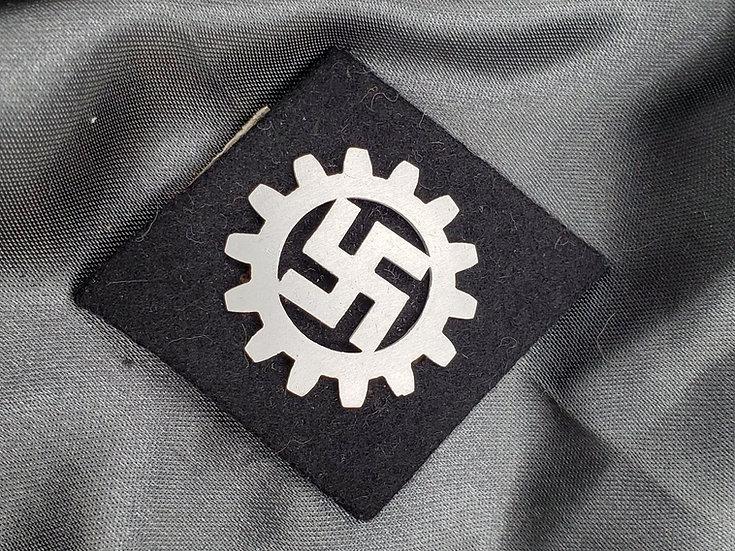 WWII GERMAN DAF SLEEVE TAB