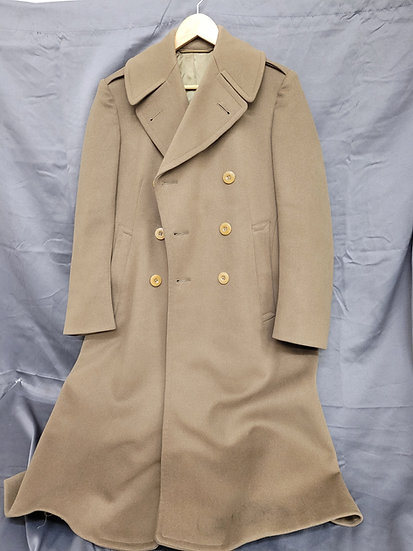 WWII SIZE 38 OFFICER MOHAIR OVERCOAT