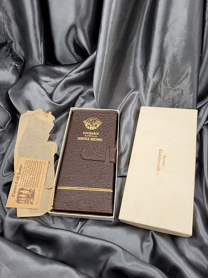 WWII LEATHER HONORABLE DISCHARGE WALLET