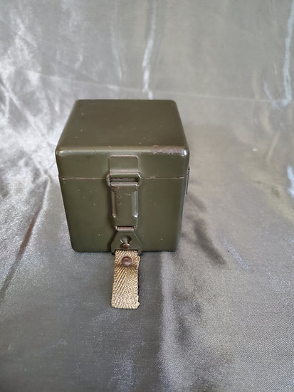 WWII GERMAN CARRYING CASE FOR OPTICS BATTERY