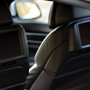 Choosing the Best Rear-Seat Entertainment System for Your Family