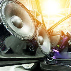Are There Advantages of Having a Custom Car Stereo?