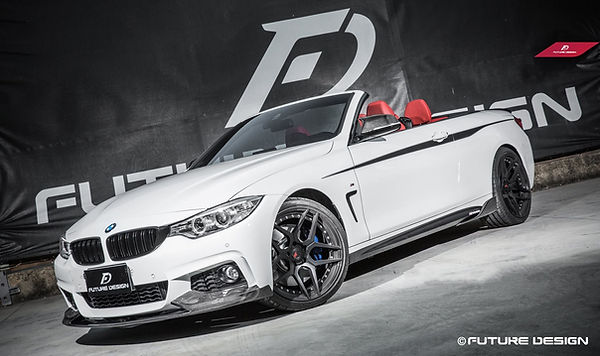 alpine white bmw F33 440i convertible wit fll m-performance cabon fiber body kit, including front lip, sie sits, mirror caps, rear diffuser, rear spoiler