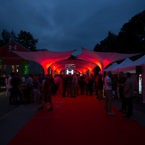 Event-Sonnenschirme Ueberdachung Veranstaltung