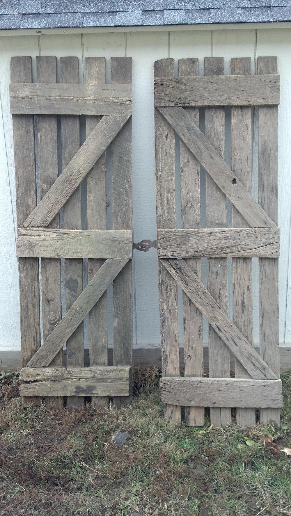 corn crib door back 22.5x68.jpg