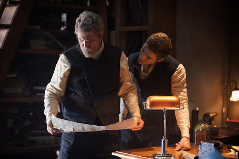 Jeff Bridges and Brenton Thwaites in The Giver (2014) 2