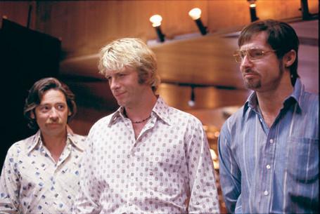 Dexter Fletcher, Thomas Jane, and David O'Hara in Stander (2003)