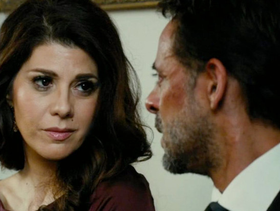Marisa Tomei and Alexander Siddig in Inescapable (2012)