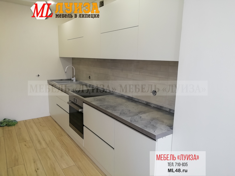 Кухонный гарнитур без ручек (врезная профиль-ручка)