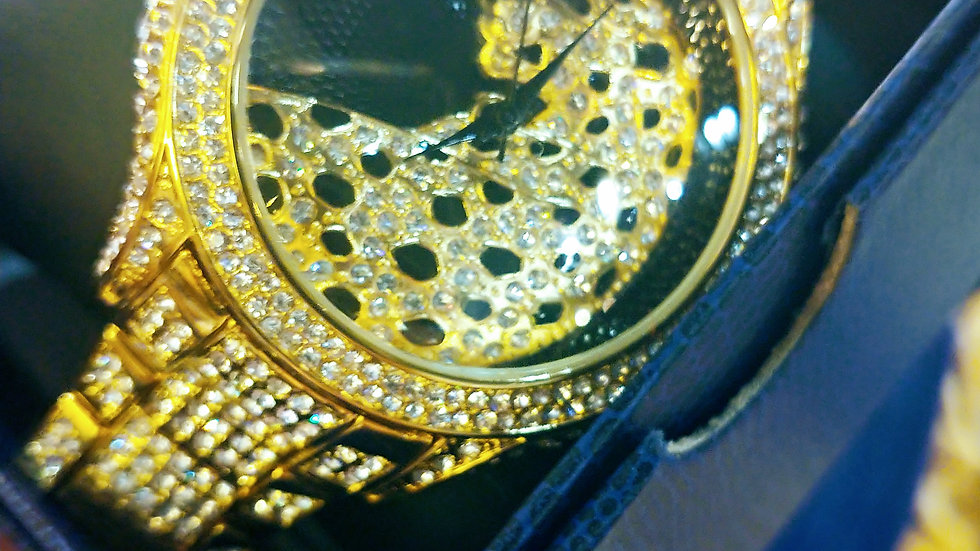 Leopard gold watch