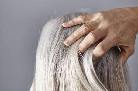 白髪の三大原因のひとつ。成長ホルモン不足について。