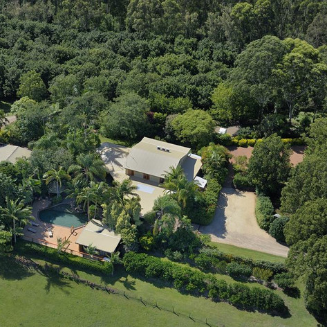 Summerhills Retreat - A Stunning Hillside Retreat In The Beautiful Hinterland Of Byron Bay