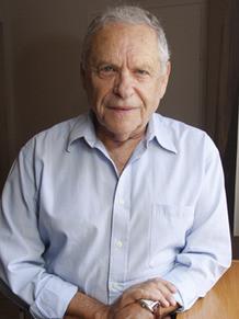 מפגש עם רם אורן שעל הרומנים ההיסטורים המשובחים שלו אינני מוותרת