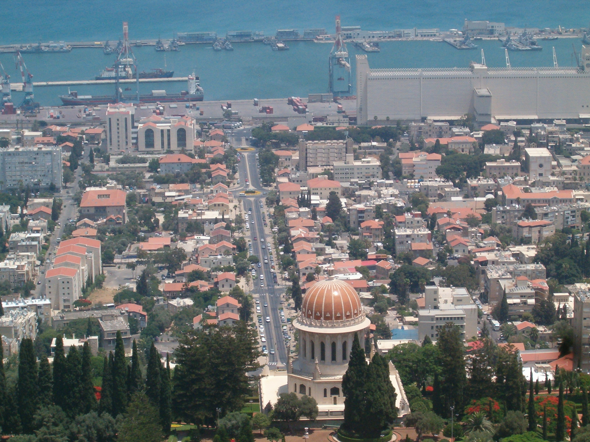 סיור בחיפה בעקבות ספרים