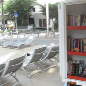 סיור בתל אביב בעקבות ספרים - יש גם זמן למנוחה...
