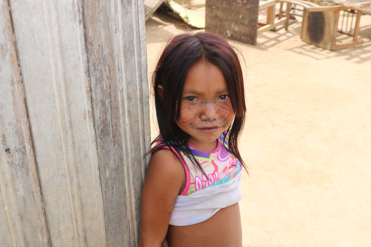 Little girl of the Huni Kuin indigenous people