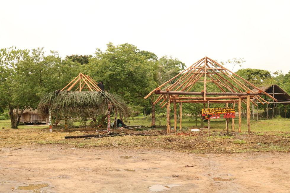 A lot of work was being done to further prepare and build the village for future visitors. Families from neighboring indigenous villages were  visiting to help.