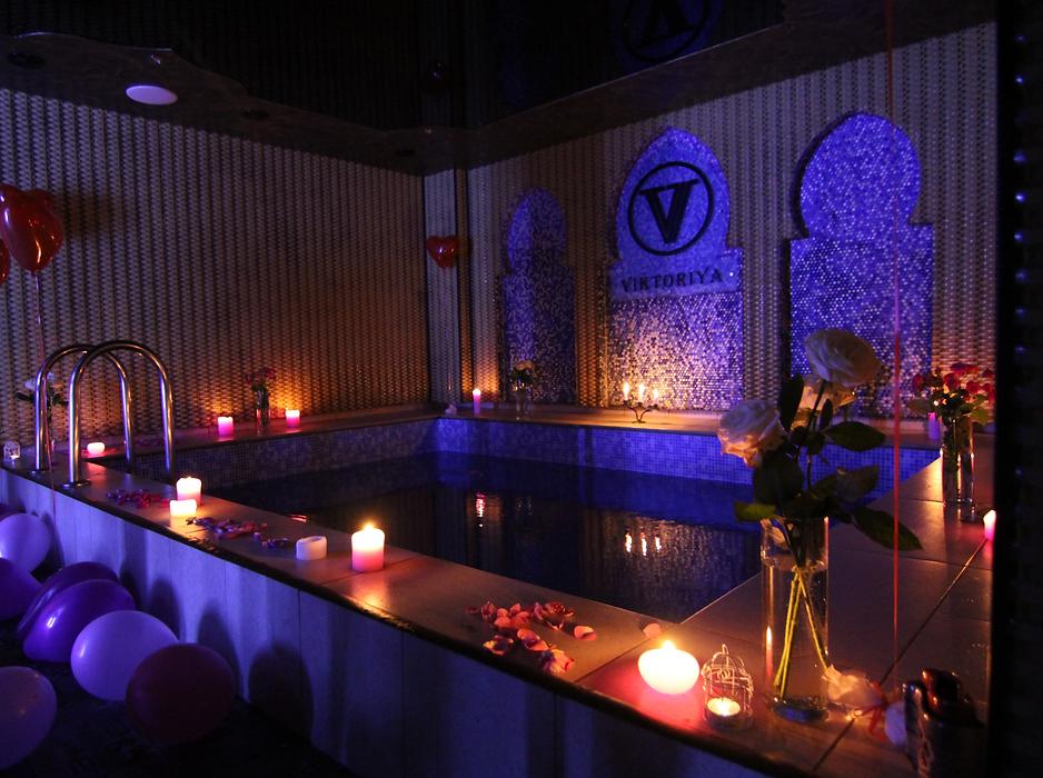 Романтика в басейні від Альтечо
