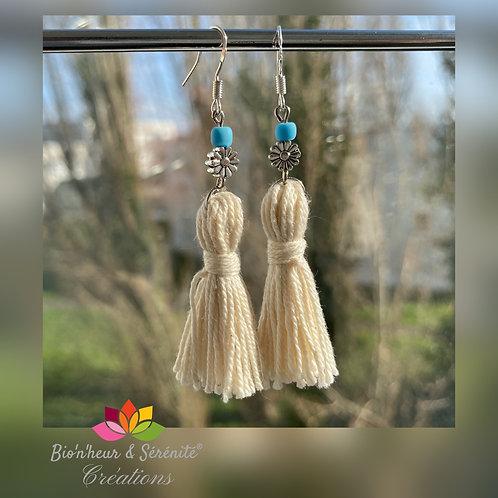 Boucles d'oreille pompons et fleurs