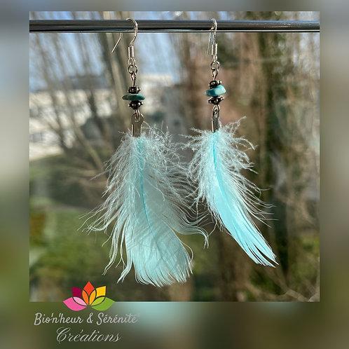 Boucles d'oreille plumes et pierre