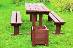 Садовый стол со скамейками