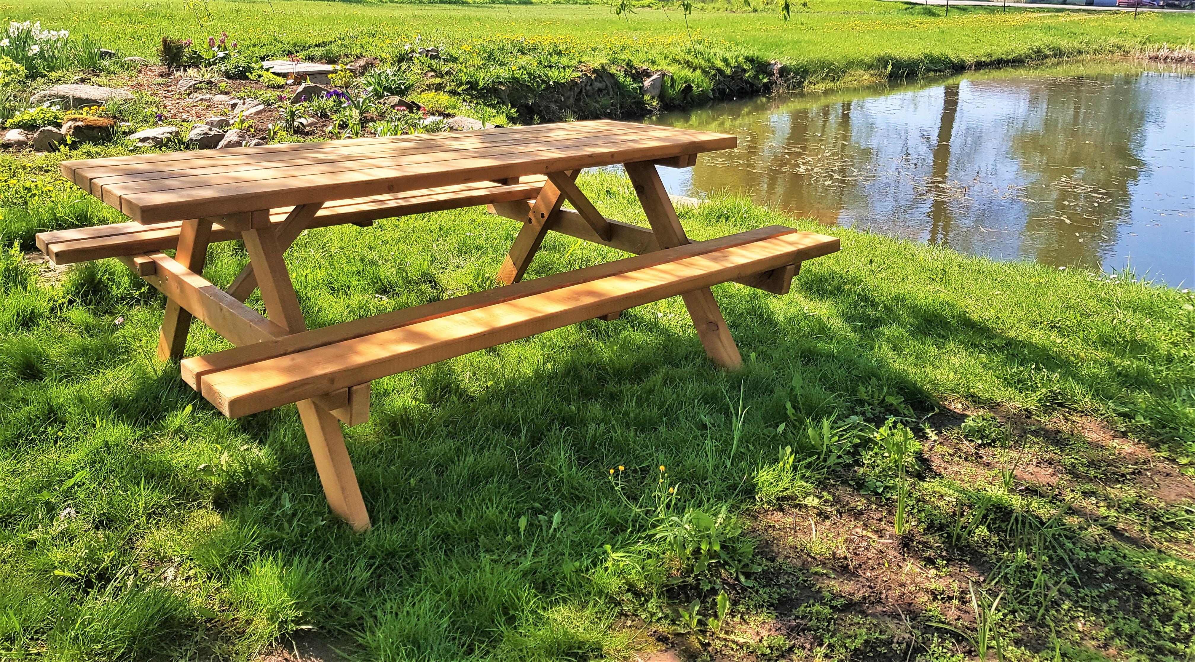 Piknika galds