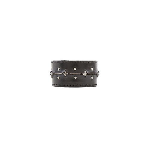 Wild Glory 4cm black leather bracelet with srudds