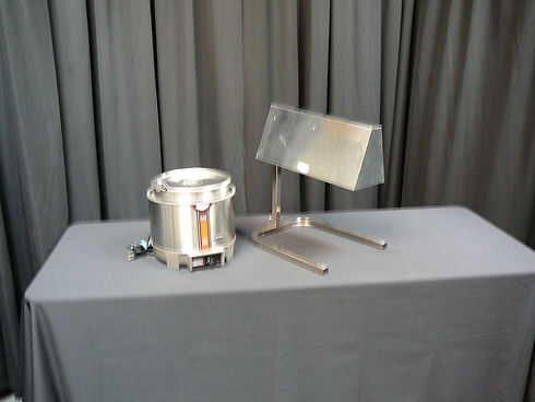 soup kettle & heat lamp.JPG