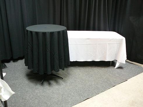 cruiser with table cloth.JPG