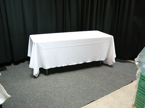 8ft with table cloth 3.JPG