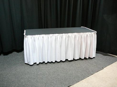 6ft table skirt.JPG