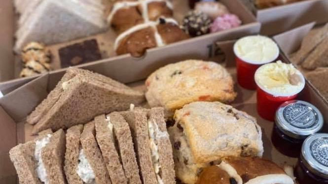 Easter Afternoon Tea For 2 with Prosecco