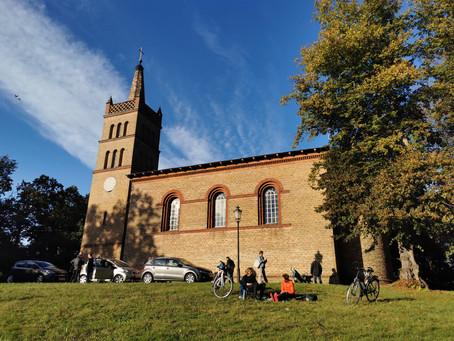 """STILUS-Ausstellung """"Zwischenwelten"""" in der Schinkelkirche in Petzow"""