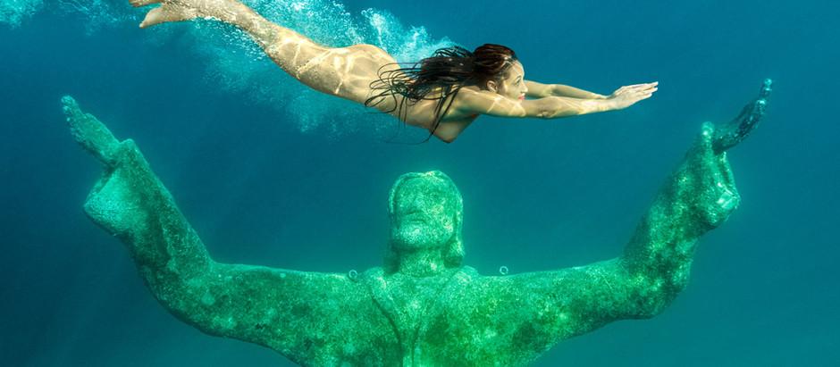 Unter Wasser - Frauen und Fotograf in ihrem Element
