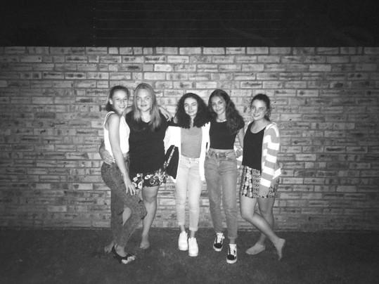 Love my friends (sisters)