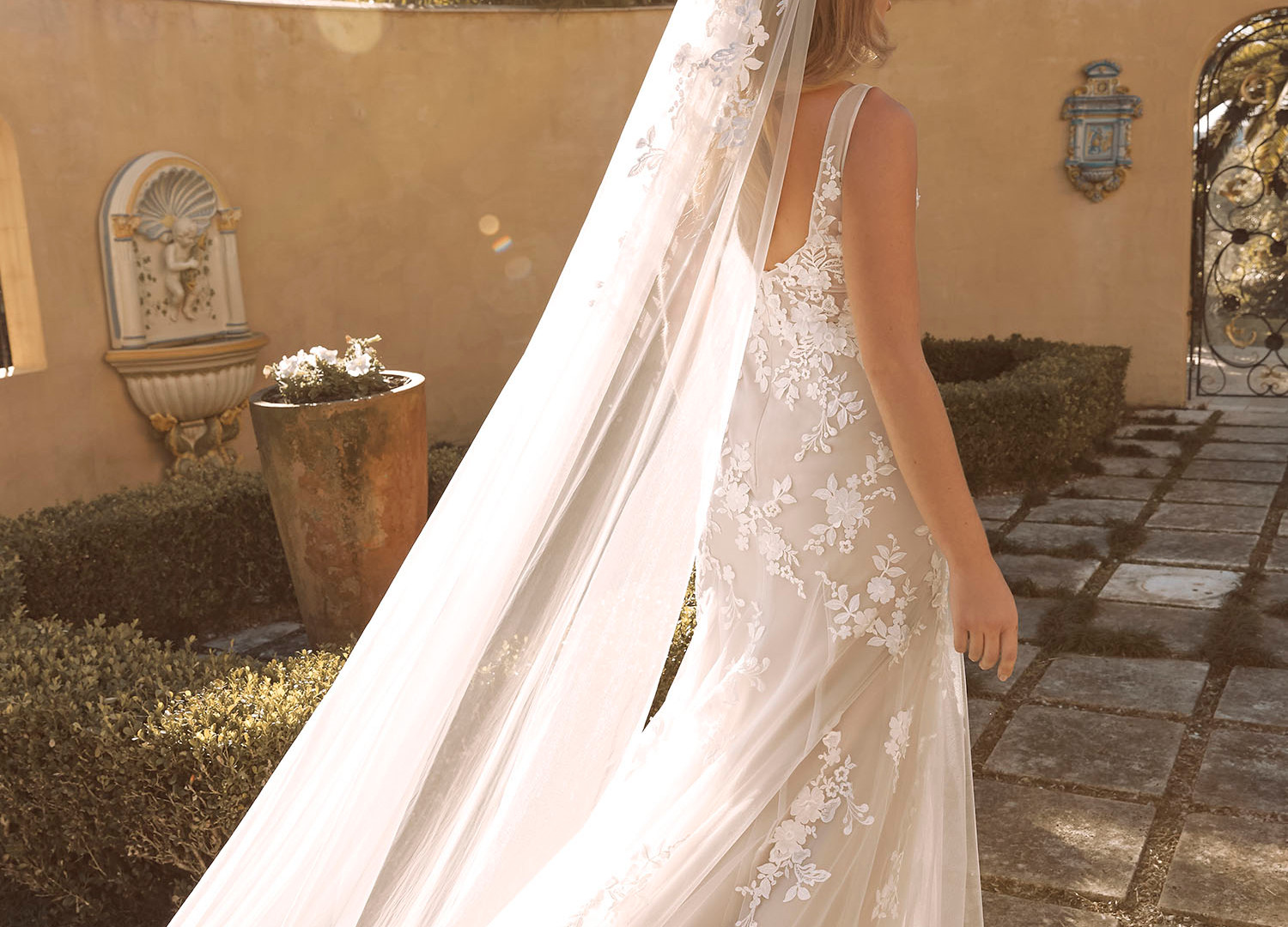 BLAYNE VEIL V987 CATHEDRAL LENGTH WITH L