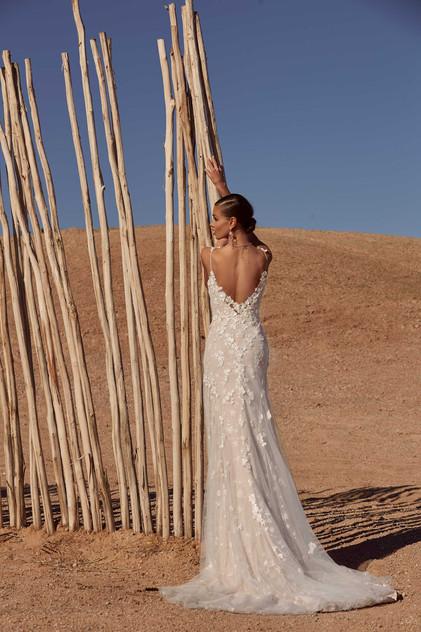 ALAYNE-BACK-PRETTY-WHITE-DRESS-MADI-LANE