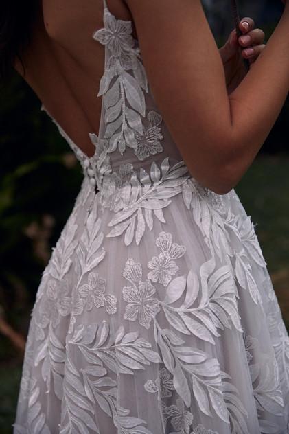 SAFFRON-CLOSE-PRETTY-WHITE-DRESS-MADI-LA
