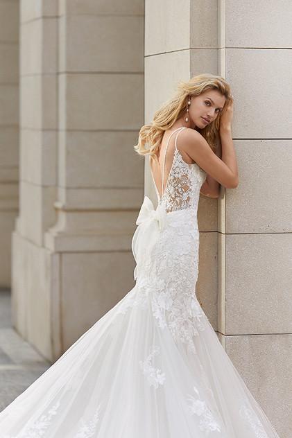 Pretty White Dress TENAR Rosa Clara Back
