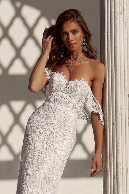 ANDIE-FRONT-CLOSE-PRETTY-WHITE-DRESS-MAD