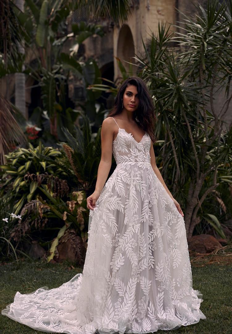 SAFFRON-FRONT-PRETTY-WHITE-DRESS-MADI-LA