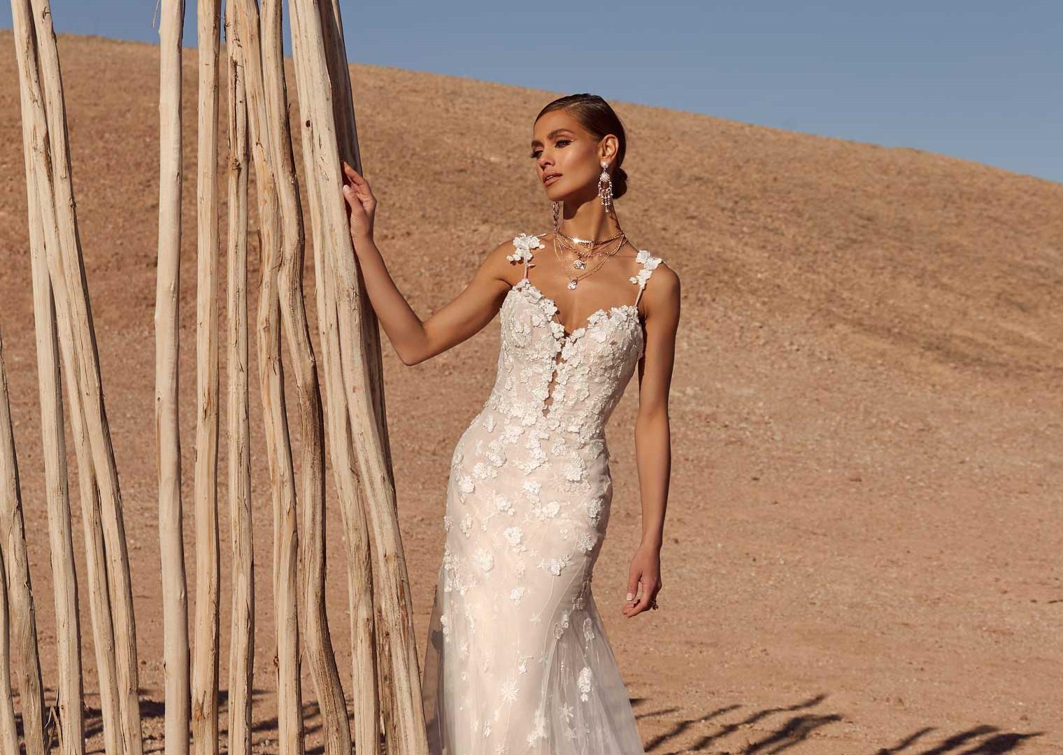 ALAYNE-FRONT-FAR-PRETTY-WHITE-DRESS-MADI