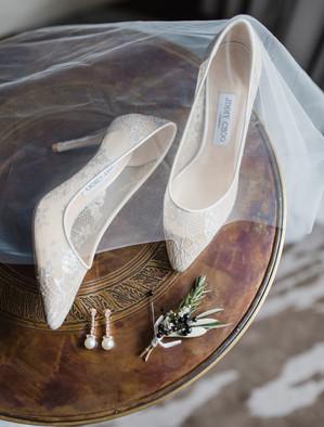 Shoes, boutonniere, veil.jpg