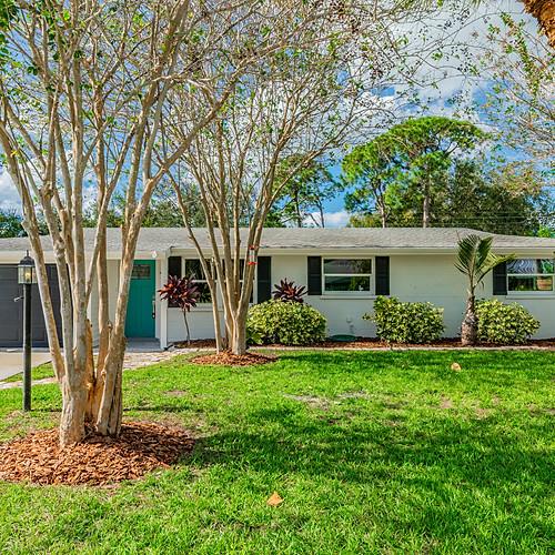 7356 Cass Circle - Sarasota