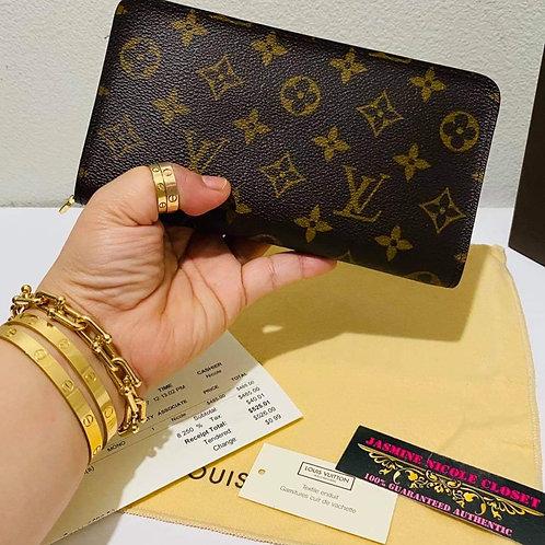 Brand New LV Zippy Wallet