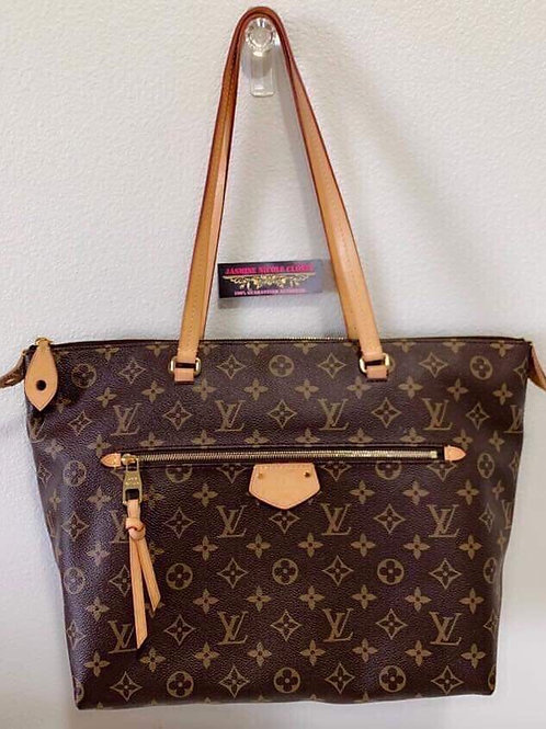 LV  Iena MM Shoulder Bag